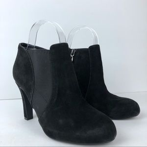 Tahari Suede Ankle Bootie in Black Size 6